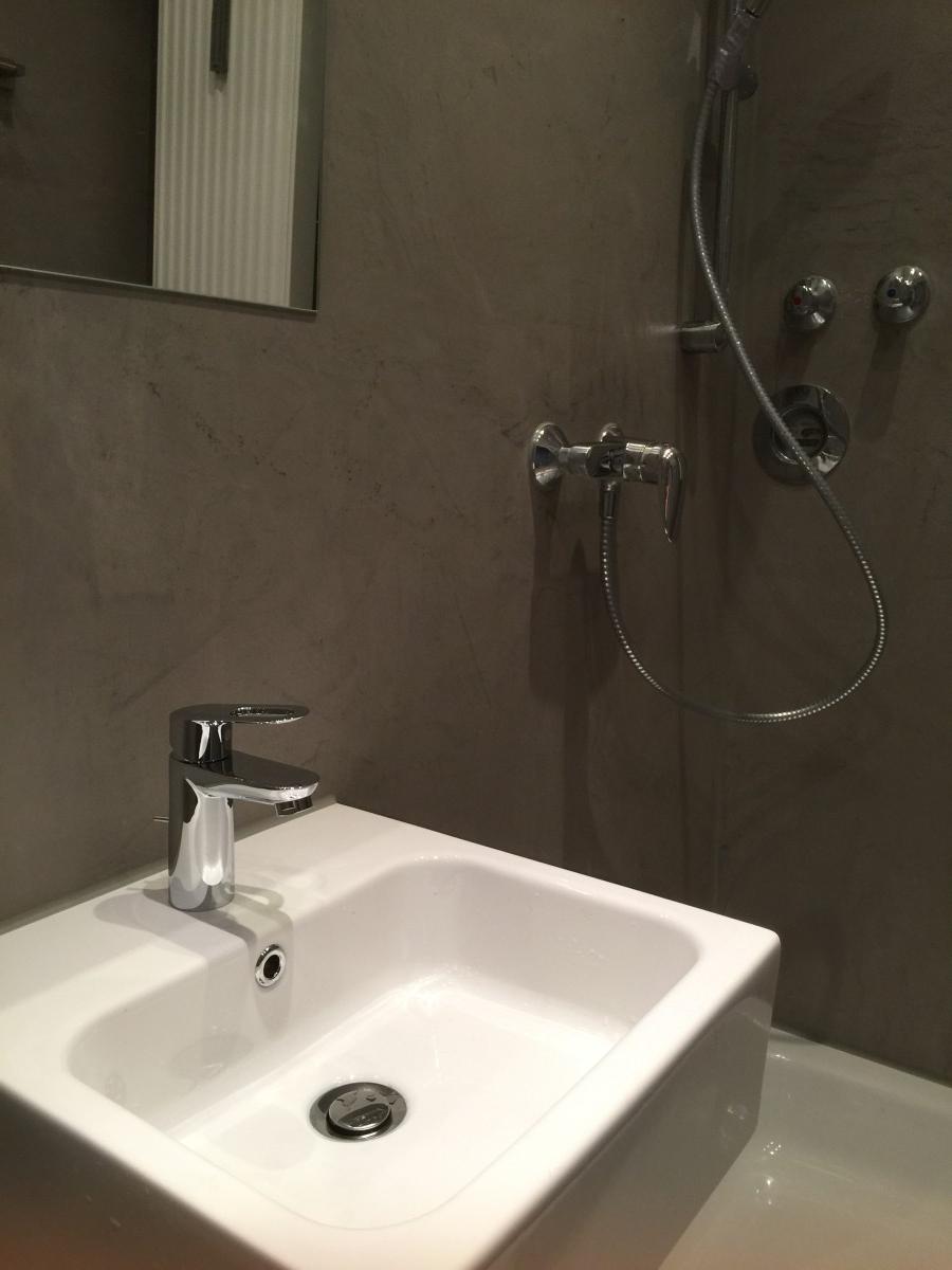 Fugenlos - Badezimmer in Betonoptik - von Malermeister Luckey ...